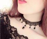 Halsband van de Nauwsluitende halsketting van het Fluweel van de manier de Zwarte voor de Halsbanden van de Verklaring van Vrouwen