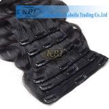 Clip rizado rizado del Afro natural en extensiones del pelo