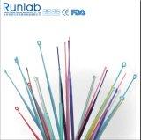 針およびループを再接種するプラスチック