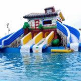 Diapositiva inflable gigante con piscina