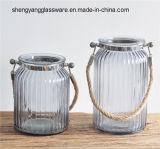 Vaso de flor de vidro colorido da amostra livre com cultura da água do punho