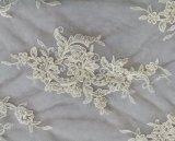 夕方の花嫁のウェディングドレスのためのスパンコールのボイルの刺繍ファブリック