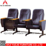メモ帳Yj1616rが付いているファブリック講堂の椅子