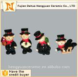 Mini estatuillas de encargo de los ornamentos de la gente de cerámica de la chimenea