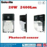 Il prezzo di fabbrica 120lm/W 5 anni di cellula fotoelettrica IP65 della garanzia 100-277V impermeabilizza gli indicatori luminosi esterni della parete di 20W LED