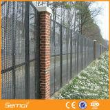 熱いすくいは358反上昇の塀の刑務所の塀に電流を通した