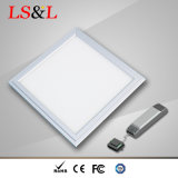 IP65는 LED 편평한 가벼운 천장 빛을 방수 처리한다