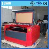 Papel modificado para requisitos particulares automático del diseño que introduce máquina de madera del laser del corte de hoja