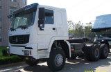 SinotrukはHOWO 6X6すべてトラクターのトラックを運転する