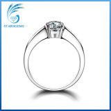Anello d'argento di Solitare 2cts Moissanite di modo del diamante rotondo di stile