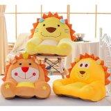 Gosses alimentants de meubles de peluche de jouet animal d'enfant en bas âge portée de bébé d'enfant