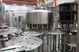 Gravità dell'acqua minerale della bottiglia dell'animale domestico che imbottiglia la macchina di rifornimento liquida