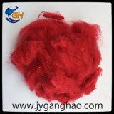 Fibres discontinues de polyesters en rouge
