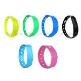 13.56MHz Customzied PVC flexible Color pulseras RFID para Control de acceso