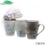 Hont 2017 che vende la tazza di caffè di ceramica