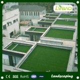 El uso de paisajismo jardín de césped artificial decorativo