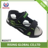Petit garçon sandales de plage vacances sandales de jogging extérieure