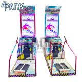 Visão colorida com moedas de corridas de arcada de esqui alpino máquina de jogos