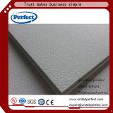Tuiles acoustiques de plafond de fibre de verre de bord de grand dos blanc