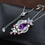 De witte Halsband van de Juwelen van de Manier van de Legering van het Zink van het Kristal van Amythest van de Parel