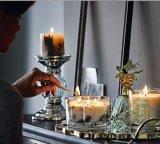 Handmade свечки штендера с высушенными включениями цветков и листьев для домашнего декора