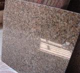 磨かれた自然な白くか灰色かベージュか黒い花こう岩のタイルまたは平板または階段またはカウンタートップは浴室のためにまたはか台所または壁砥石で研ぐか、または燃え立った