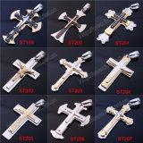 簡単なメンズ金属のステンレス鋼の十字の十字の黒の十字の吊り下げ式のネックレスは設計する(IOst000000)