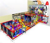 Campo de jogos interno temático do espaço do divertimento do elogio