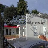 工場直売からのプレハブによってアセンブルされる鉄骨構造の家