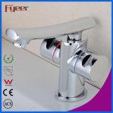 Fyeer Deck Mounted Chrome Plated Straight Spout Dual Handle Latão Banheiro Lavatório Faucet Torneira misturador de água Wasserhahn