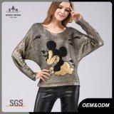 女性のバット袖の特大金属金のセーター