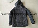 Indumenti di riserva, rivestimenti di inverno dell'uomo, cappotto più poco costoso di inverno di prezzi