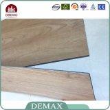 商業スリップ防止木製の質PVCビニールの床