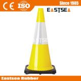 オレンジか黄色のライムグリーン適用範囲が広いPVC交通安全のトラフィックの円錐形