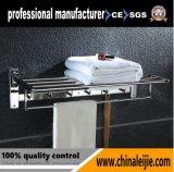 Qualitäts-Badezimmer-Edelstahl-an der Wand befestigter Typ Tuch-Zahnstange (LJ501T)