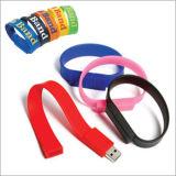 Movimentações do USB do bracelete com forma dos desenhos animados