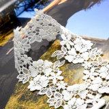 Handmade 크로셰 뜨개질 사랑스러운 백색 꽃 구렁 잎 숨막히게 하는 것 목걸이
