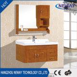 工場純木の壁に取り付けられた浴室の虚栄心