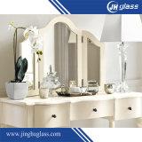 4mmアルミニウム浴室ミラーの壁の装飾のための木製フレームの銀ミラー