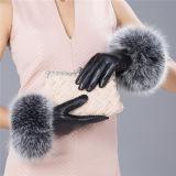Cuoio reale di lusso della pelle di pecora delle signore con i guanti di cuoio di tocco del telefono del polsino della pelliccia di Fox