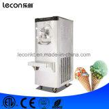 Машина мороженного итальянского создателя мороженного трудная