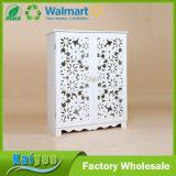 カスタマイズされた白い木製の空のプラスチック版によって切り分けられるキャビネット