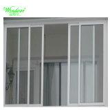 Châssis en aluminium de couleur blanche avec moustiquaire de vitre coulissante