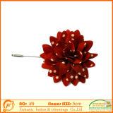 빨간 꽃 접어젖힌 옷깃 Pin