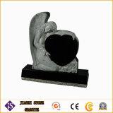 Monuments commémoratifs en forme de coeur et de la pierre tombale