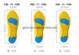 衝撃吸収性のメモリ泡のスポーツの靴の中敷