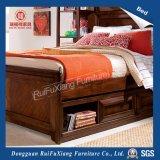 Grand lit en bois massif (B312)