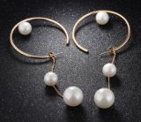 新しい方法パーソナリティー金のイヤリングの女性のコリアーの珠玉のための大きい円ののど真珠のスタッドのイヤリング