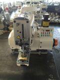 Botón de conducción directo automatizado que asocia la máquina de coser