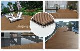 O WPC Flooring em Regular oco de alta qualidade e preço baixo
